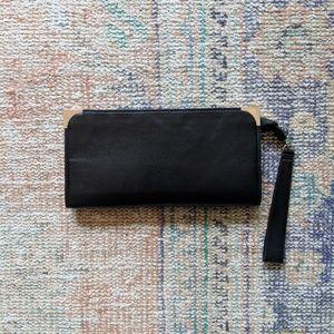 Large zip-up clutch